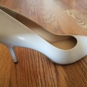 New Michael Kors Vanilla Almond-Toe Pumps